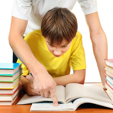 Помощь ребенку в приготовлении домашних...